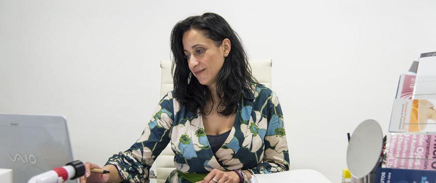 Mercedes Pérez, Ambaris